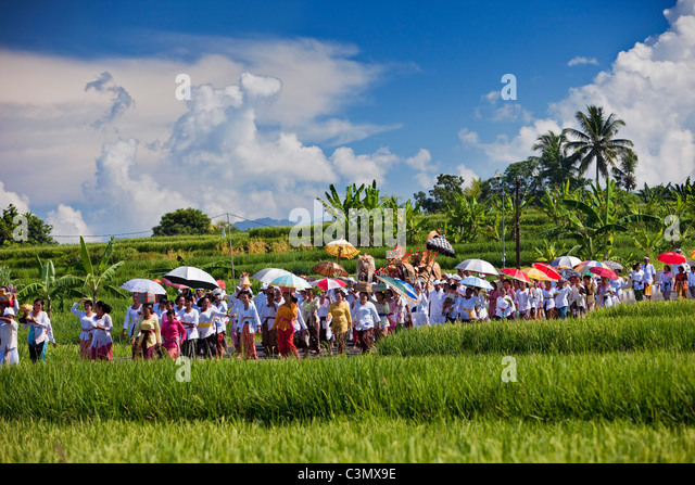 Indonesia, Island Bali, Yehembang, Sea temple called Pura Rambut Siwi. Festival to honor the gods of the sea. Melasty - Stock Image