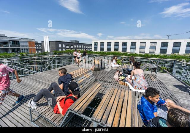 MFO Park, sun deck, public park of former Maschinenfabrik Oerlikon (MFO) , climbing plants, steel frame,  Zurich, - Stock Image