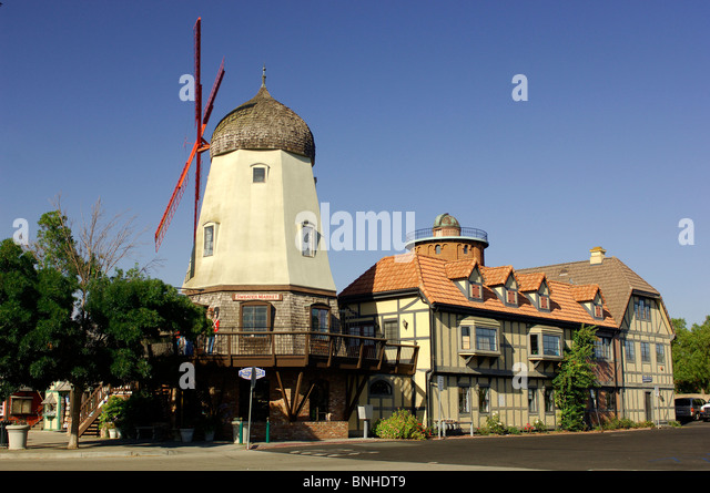 Usa Solvang California Windmill Half-Timbered Houses Danish European Village Small Town Touristic Tourists Tourism - Stock Image