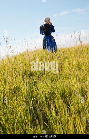 Black single women in blue grass