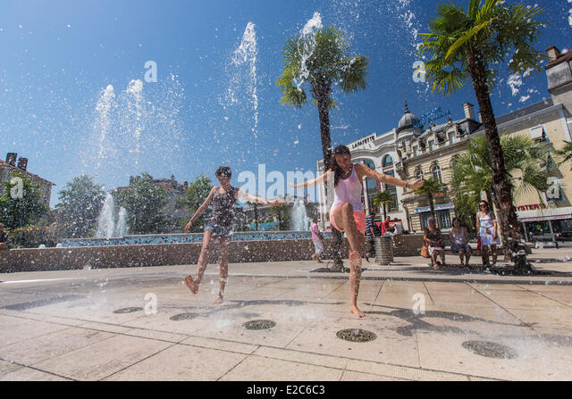France, Pyrenees Atlantiques, Bearn, Pau, the Place Clemenceau - Stock Image