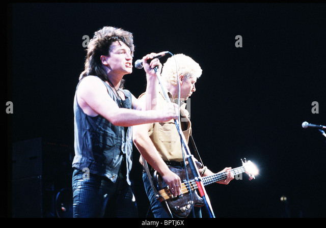 BONO & ADAM CLAYTON POP GROUP 'U2' (1984) - Stock Image