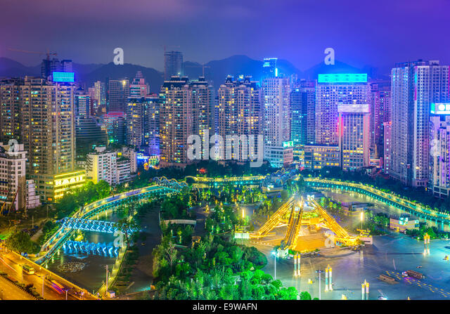 Guiyang, China cityscape over People's Square at night. - Stock-Bilder
