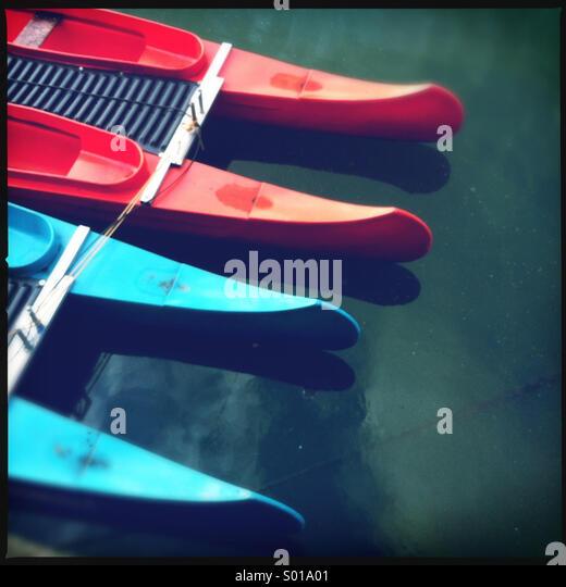 Colourful kayaks - Stock-Bilder