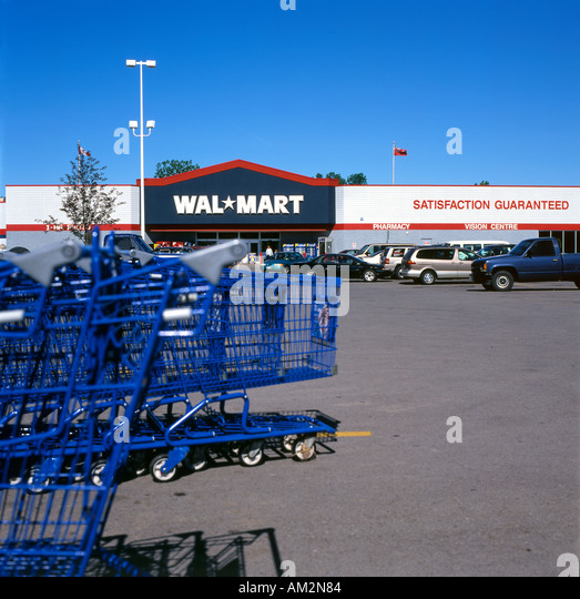 Walmart Exterior Stock Photos & Walmart Exterior Stock