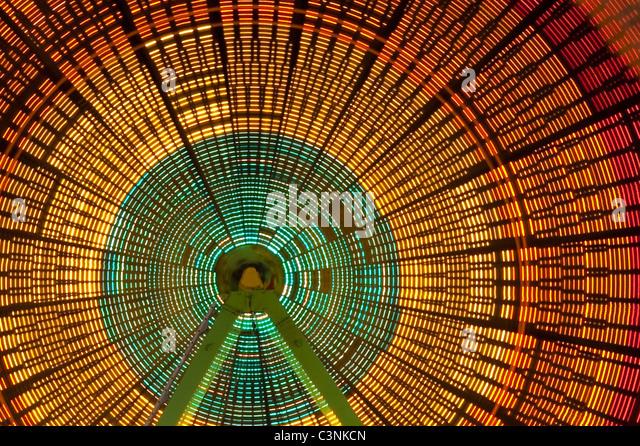 Ferris wheel in motion light streaks Evergreen State Fair Monroe Washington State USA - Stock-Bilder