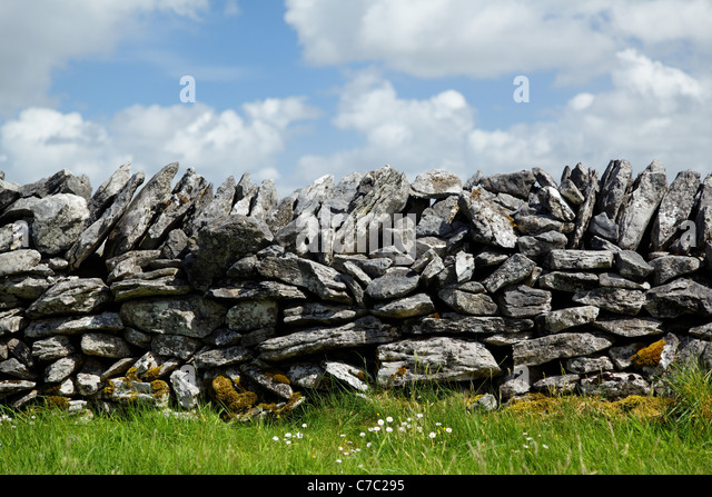 Dry stone wall, Republic of Ireland - Stock-Bilder