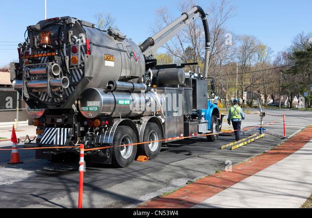 White Plains Volvo Service >> Vacuum Lorry Stock Photos & Vacuum Lorry Stock Images - Alamy