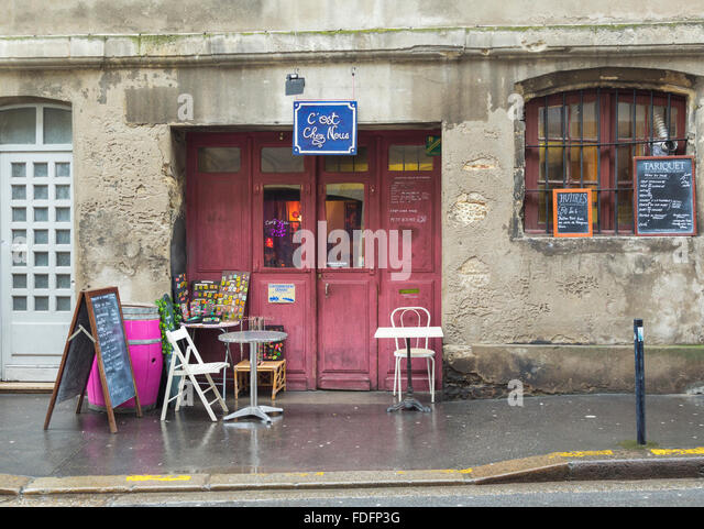 Bordeaux, Gironde Department, Aquitaine, France.  Small cafe. The historic centre of Bordeaux is a UNESCO World - Stock Image