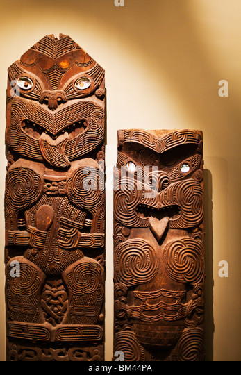 Tiki statue stock photos images alamy