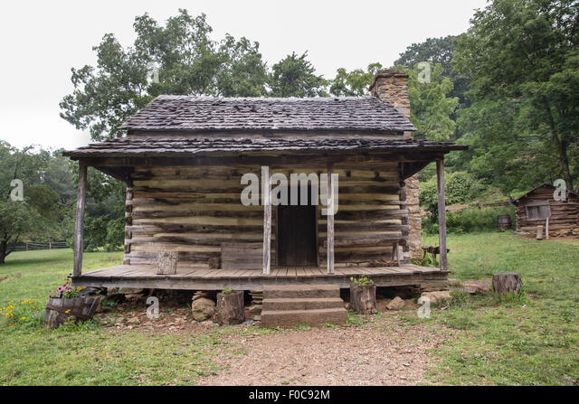 Wood cabin forest stock photos wood cabin forest stock for Appalachian mountain cabins