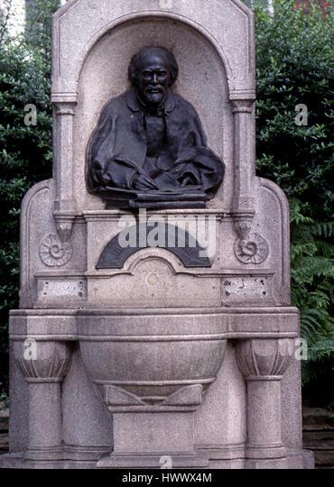 statue of Dante Gabriel Rosetti in Cheyne Walk - Stock Image