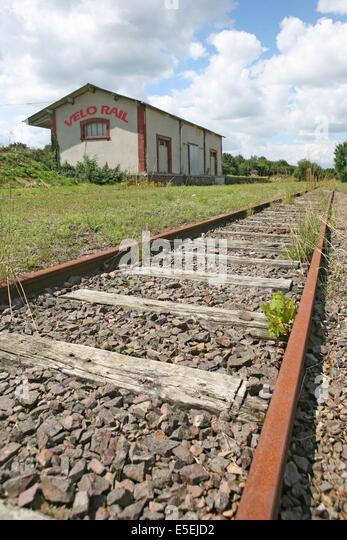 Velorail stock photos velorail stock images alamy - Maison au bord de la voie ferree ...