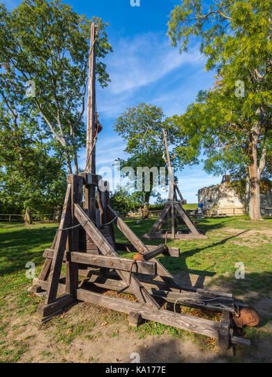 Replica trebuchet weapon, chateau Chinon, France. - Stock Image