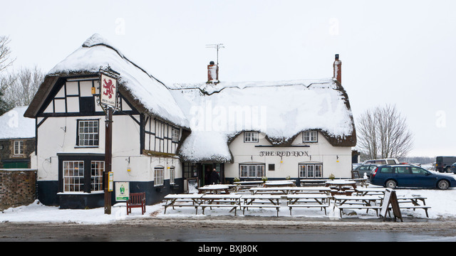The Red Lion, Avebury, supposedly the most haunted pub in Britain - Stock Image