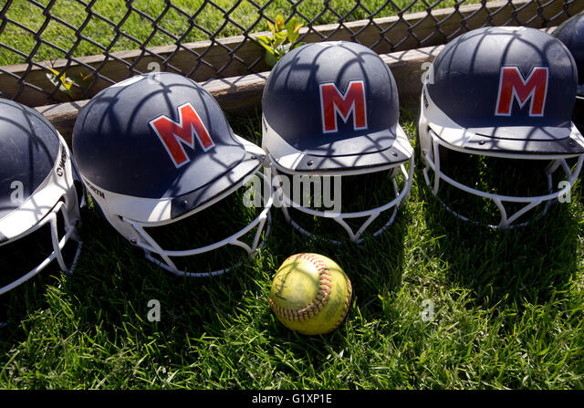 High School girls softball batting helmets - Stock-Bilder