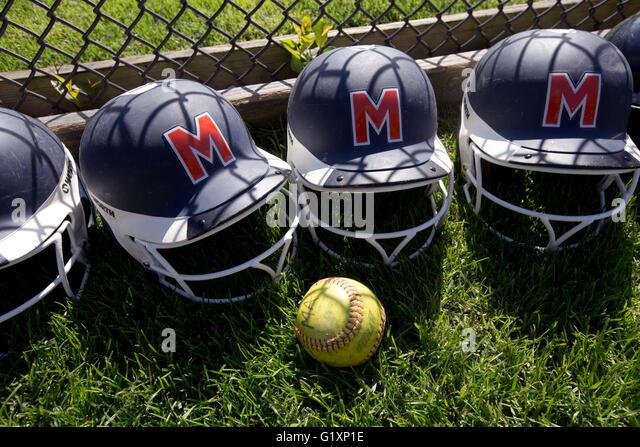 High School girls softball batting helmets - Stock-Bilder