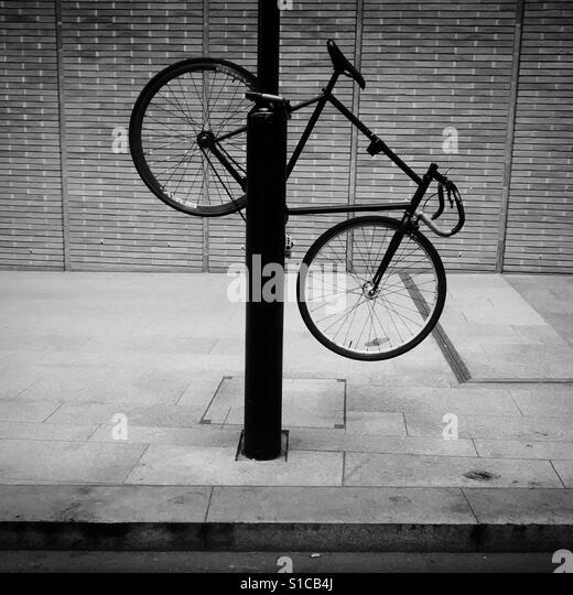 Bike, London Bridge, U.K. - Stock-Bilder