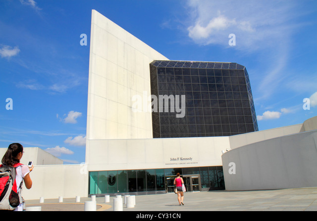 Massachusetts Boston South Boston JFK John F. Kennedy Presidential Library & and Museum front entrance architecture - Stock Image