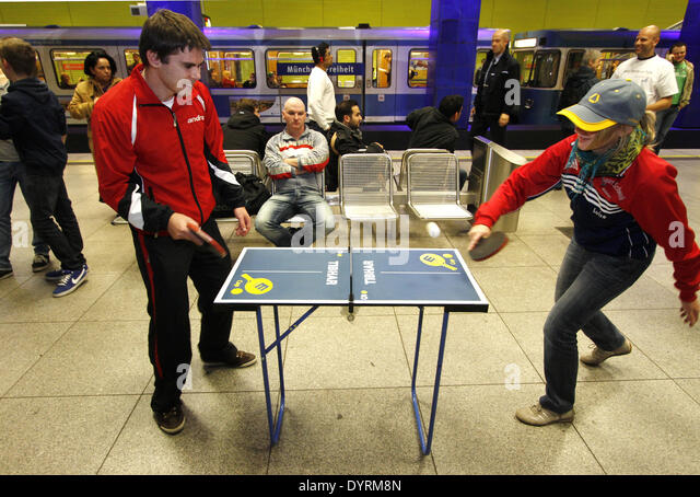 Table tennis in the Munich subway, 2012 - Stock Image