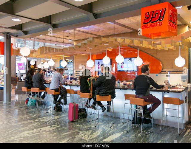 Airport bar stock photos airport bar stock images alamy for Food bar oslo