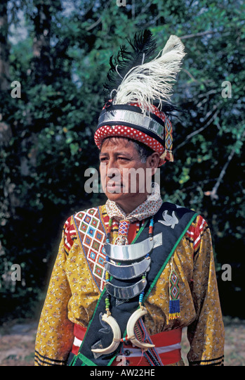 Florida Seminole Indian man in traditional dress - Stock Image