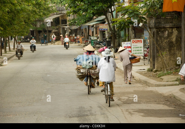Asia, Vietnam, Da Nang. Old imperial capital city of Hue. Everyday life in the streets of the city Hue. - Stock-Bilder