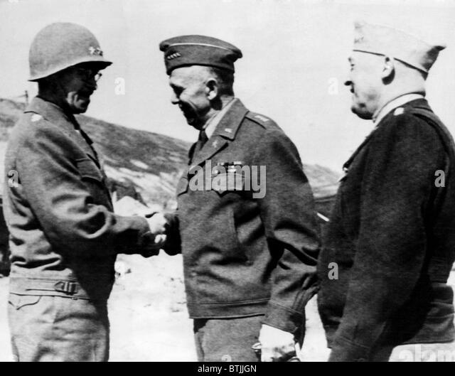U.S. Army Field Commander General Omar Bradley, General George C. Marshall, Air Force chief General Henry Arnold, - Stock Image