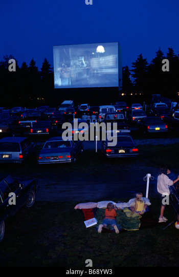 how to make a drive in movie theater