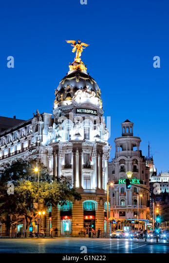 The Metropolis building and Calle Alcala at night - Stock Image
