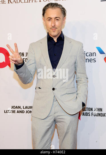 New York, NY, USA. 02nd Nov, 2016. Alan Cmming attends 15th Annual Elton John AIDS Foundation An Enduring Vision - Stock Image