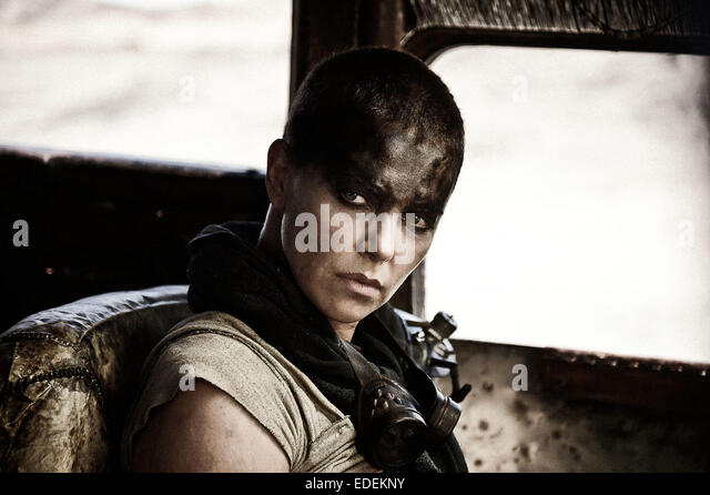 MAD MAX: FURY ROAD (2015) CHARLIZE THERON GEORGE MILLER (DIR) MOVIESTORE COLLECTION LTD - Stock Image
