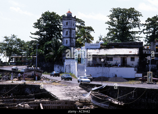 moroni muslim Most comorians are sunni muslims, and islam is the state religion comoros:  a mosque along the waterfront at moroni, comoros gerald cubitt.