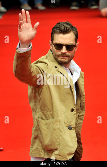 Karlovy Vary, Czech Republic. 9th July, 2015. Northern Irish actor and musician Jamie Dornan greets his fans after - Stock-Bilder