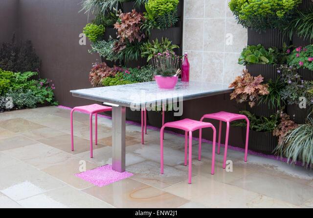 Patio furniture britain stock photos patio furniture for Pip probert garden designer