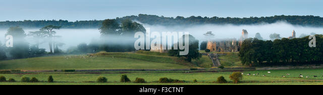Old Sherborne Castle in the mist at dawn, Dorset, England - Stock Image