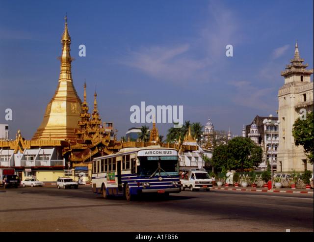 Myanmar Yangon Sule Pagoda Traffic - Stock-Bilder