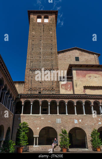 Cloisters, Basilica of Santo Stefano, Sette Chiese, Seven Churches, Bologna, Emilia-Romagna region, Italy - Stock Image