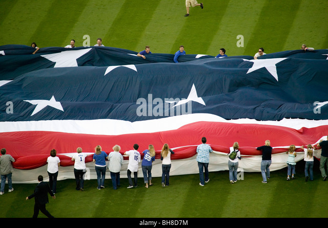 Unfurling of gigantic American Flag during opening ceremony of National League Championship Series (NLCS), Dodger - Stock Image