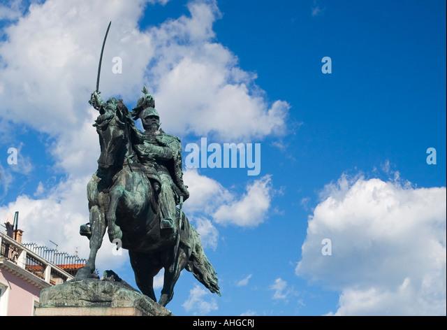 Statue of King Vittorio Emanuele on The Riva degli Schiavoni Venice Veneto Italy - Stock Image