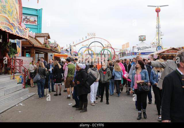 munich oktoberfest 2014 crowd people - Stock Image