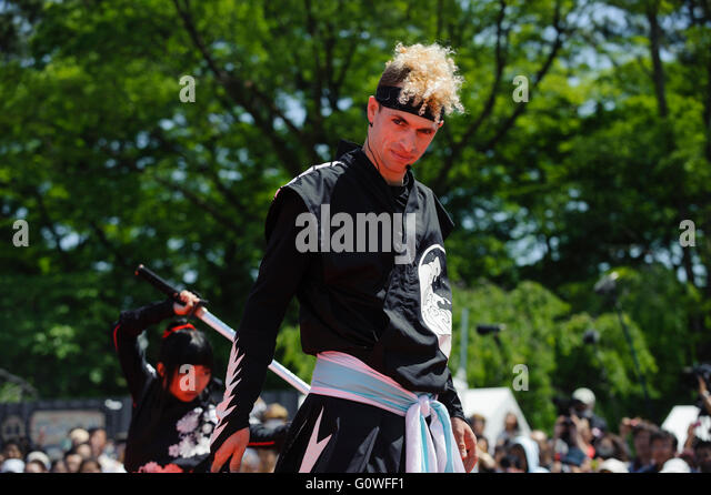 Nagoya, Japan. 5th May, 2016. American Chris O'Neill, the first foreign full-time salaried ninja in Japan, performs - Stock Image