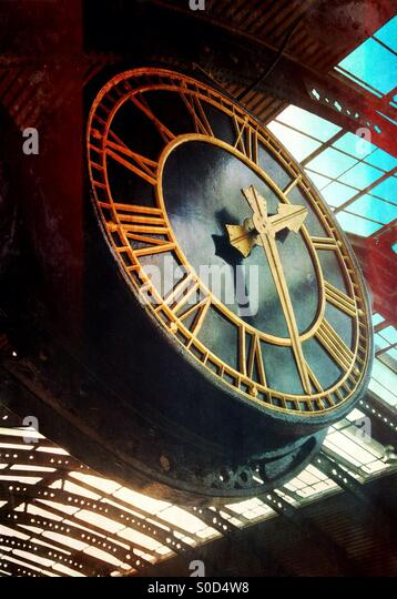 Elaborate train station clock - Stock Image