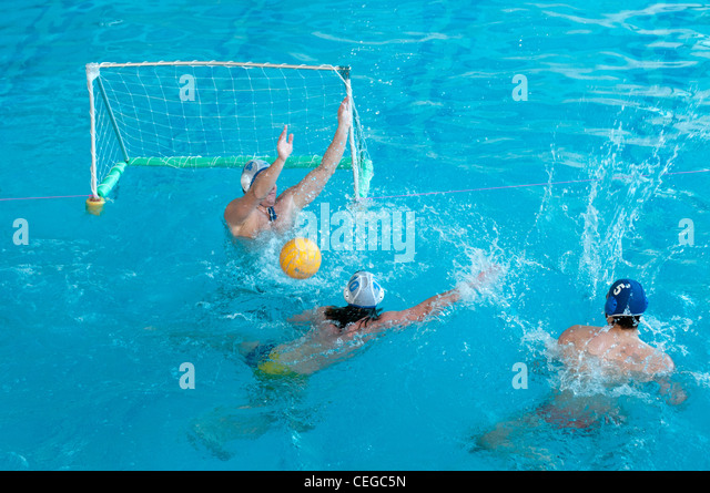 Waterpolo stock photos waterpolo stock images alamy for Local swimming pools