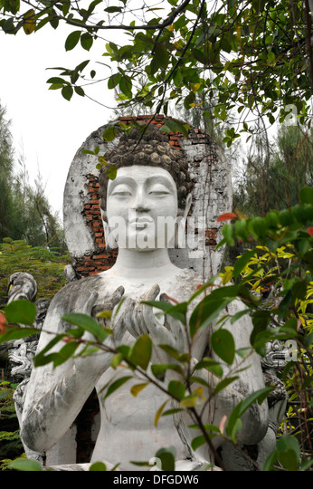 the unique teachings of the gautama buddha Buddha, the light of asia, was one of the greatest men of all times great was his teaching which the mightiest religion of humanity became the name, of gautama.