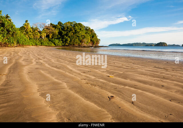 Sandy beach on the east side of Coiba island national park, Pacific coast, Veraguas province, Republic of Panama. - Stock-Bilder