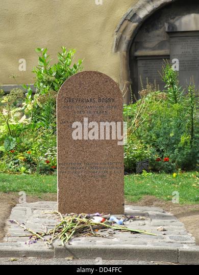 Greyfriars Bobby Grave, Greyfriars Kirkyard, Old Twon, Edinburgh, Scotland, UK - Stock Image