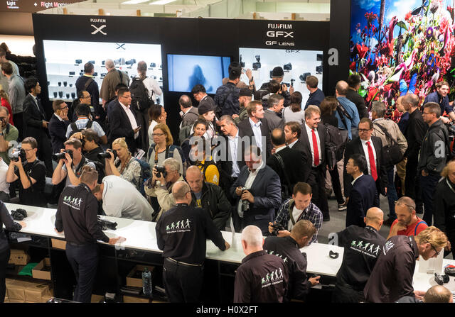 Busy Fujifilm stand at Photokina trade fair in Cologne, Germany , 2016 - Stock-Bilder