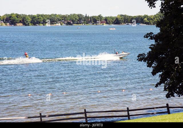 Wisconsin Kenosha Paddock Lake Old Settlers Park boating skiing water sport lakeshore scenic - Stock Image
