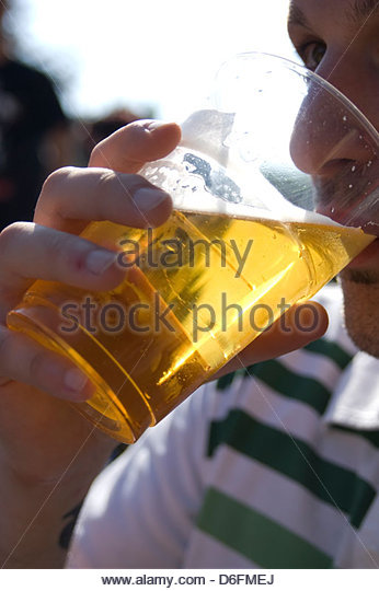 Man drinking beer - Stock Image
